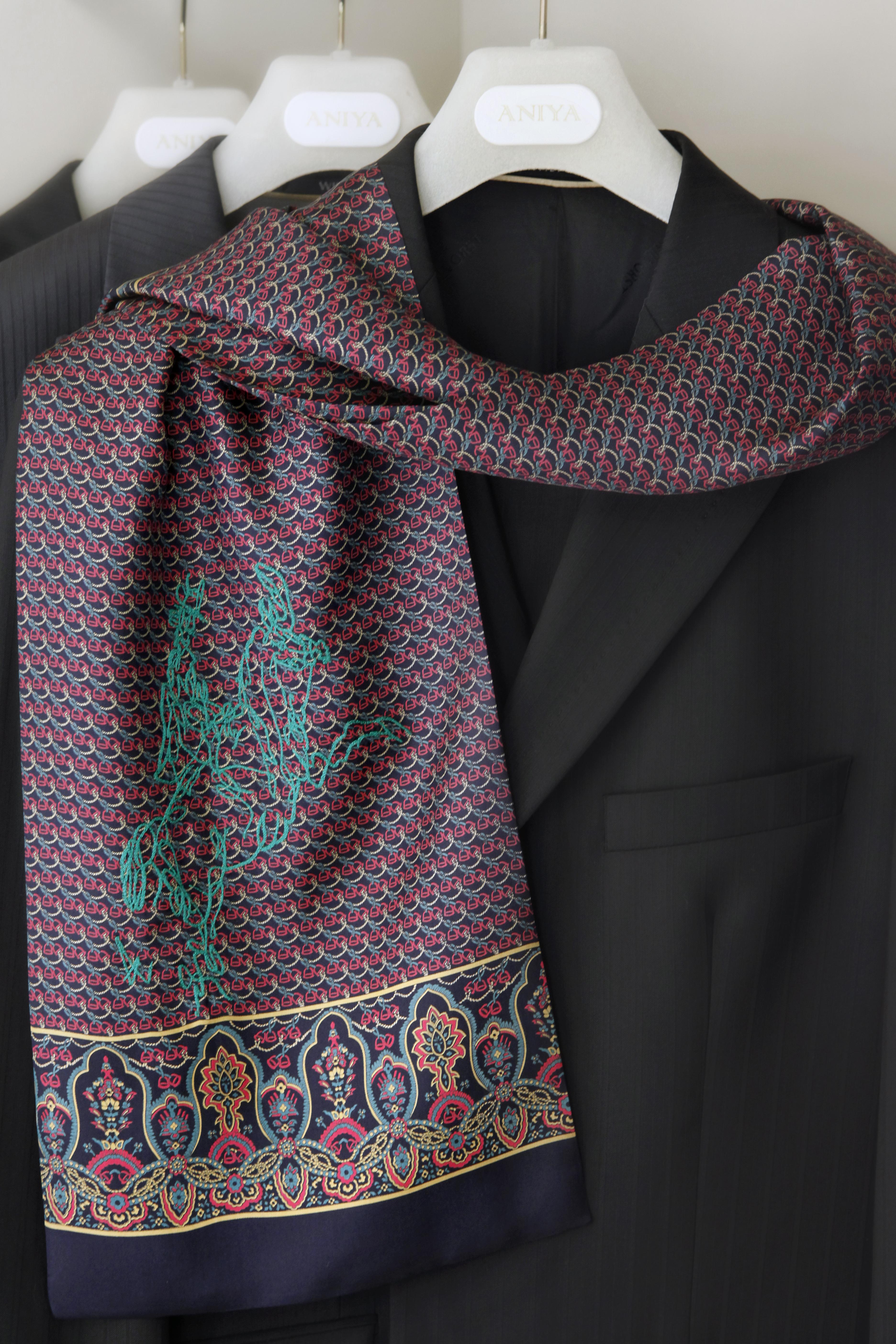 Мужской шарф шелковый